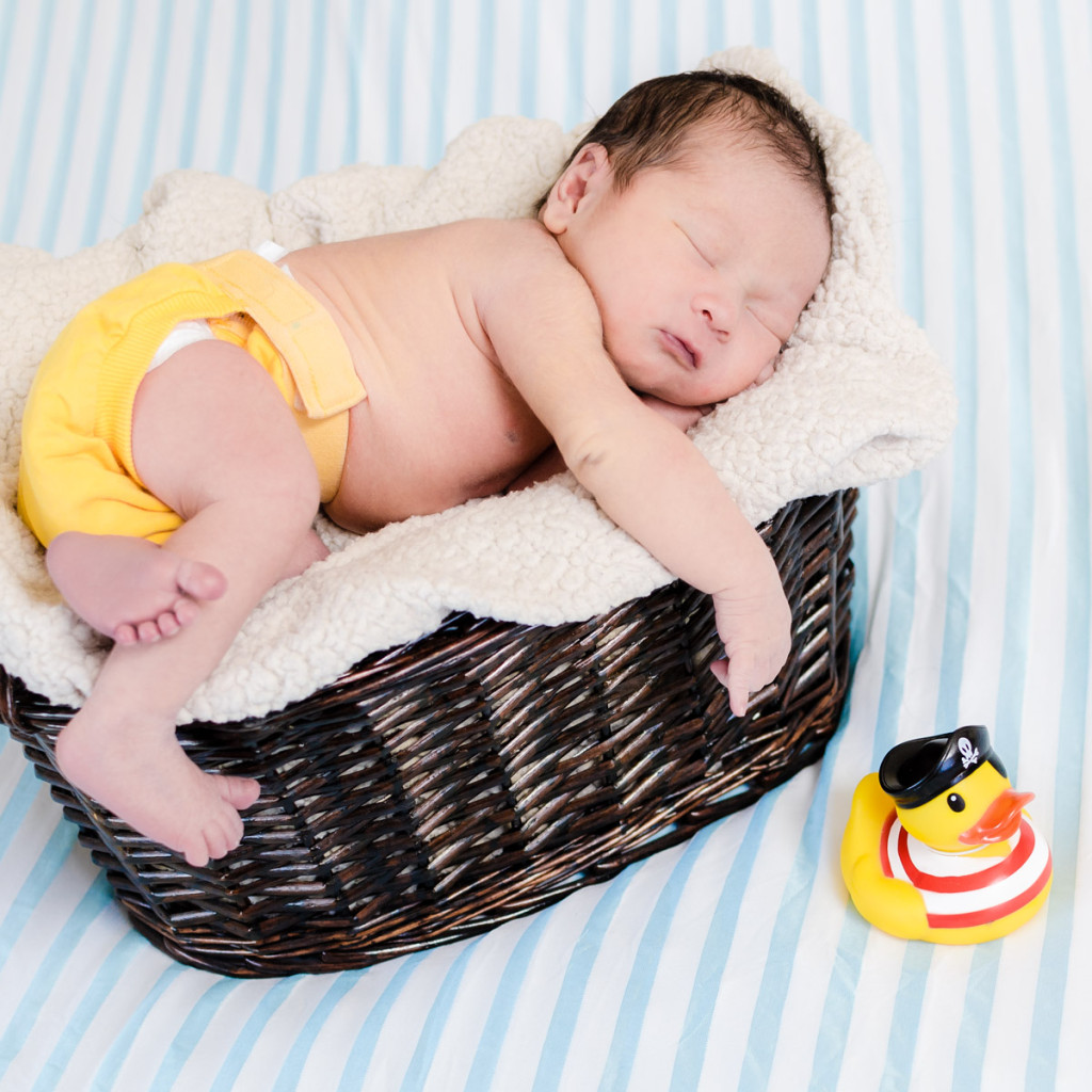 newborn_baby_basket_rubber_ducky_4958-1